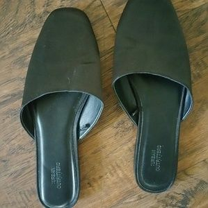 Urban Outfitters Mules size 7